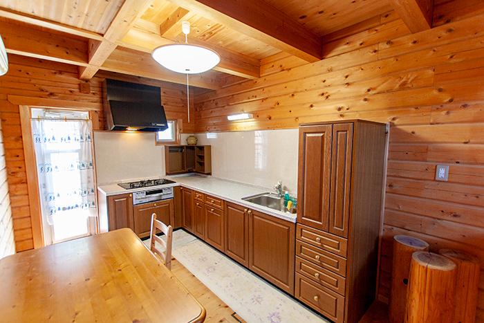 L型の広々キッチン