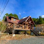 兵庫県多可郡多可町 山あいの小さな別荘地に建つ本格ログハウス
