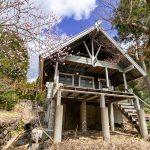 兵庫県多可郡多可町 山あいの小さな別荘地に建つ室内美麗ログハウス