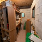 地下の倉庫