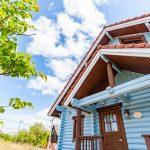 滋賀県高島市新旭町 おしゃれなスカイブルーのログハウス