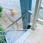 海に下りる階段