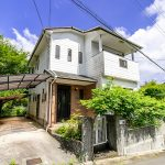 京都府亀岡市畑野町 ガーデニングが楽しめる眺めのいい角地の中古住宅