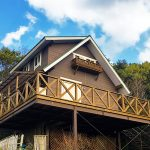 三重県伊勢市上野町 山のてっぺんに建つ露天風呂付きウッディハウス