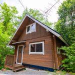 京都府南丹市園部町 豊かな緑に囲まれたせせらぎに面するログハウス