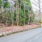 京都府南丹市園部町 出入りしやすい緑豊かな南向き3面角地104坪