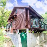 京都府南丹市園部町 るり渓別荘地に建つせせらぎが流れるログハウス