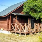 滋賀県高島市新旭町 びわ湖畔の別荘地にあるログハウス
